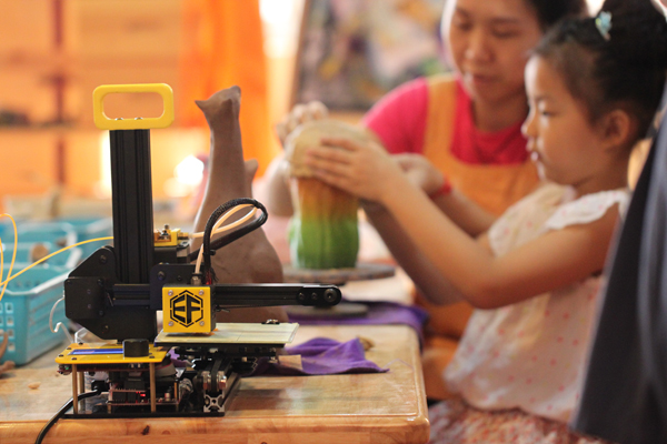 Freaks3D - The First Portable 3D Printer Going Indiegogo